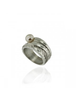 Anillo AUDAR de plata con una perla y brillante